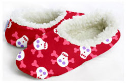Snoozies for Children Skulls-snoozies, fleece foot coverings, snoozies foot coverings, snoozies slippers, skulls snoozies, snoozies for children